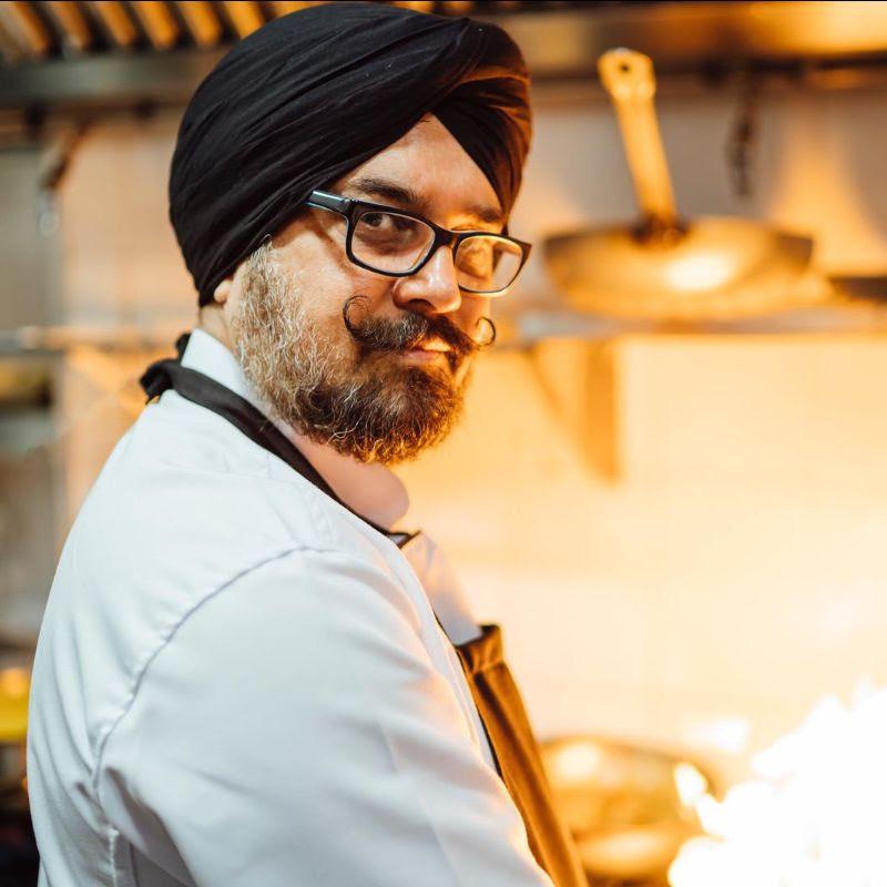 Chef del restaurante de cocina india