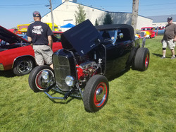32' Ford Roadster