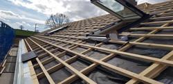 Regensicheres Unterdach mit Dachfenster