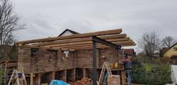 Terrassenüberdachung mit Altholz-Balken