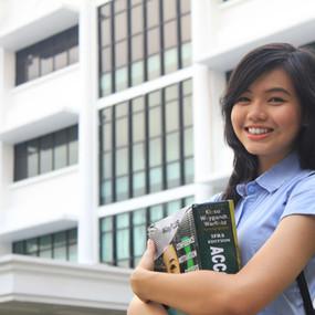President University Student 01.jpg