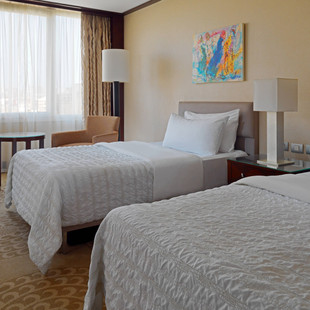 caimd-guestroom-7444-hor-wide.jpg