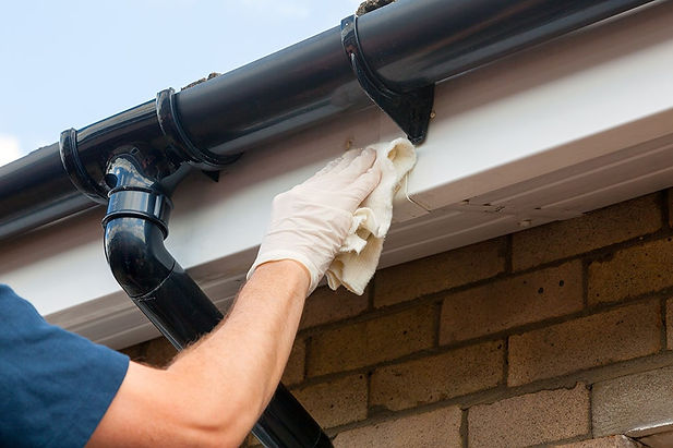 fascia-soffit-cleaning-worcestershire.jp