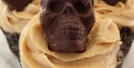 4x Skull cupcakes with fillings (& trick or treat option!)