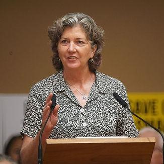 Senator-Laura-Thielen-speaks-in-support-
