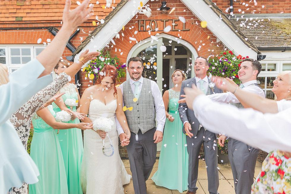 wedding-confetti-photo.jpg