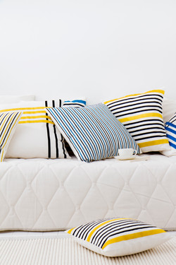 AAVA cushions and bedsped