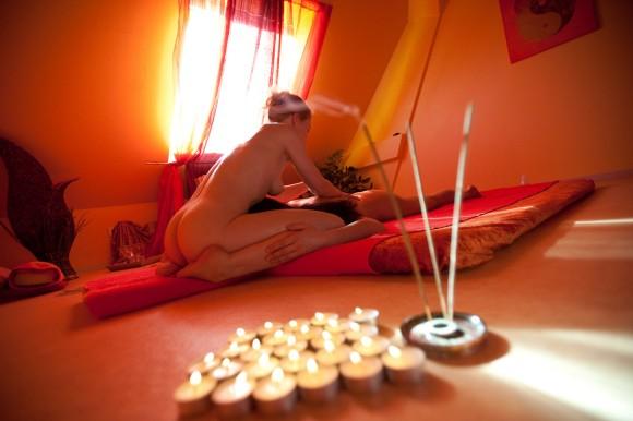 tara-como-hacer-un-masaje-tantrico
