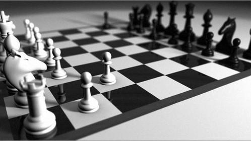 La partita è a scacchi, non gavettoni