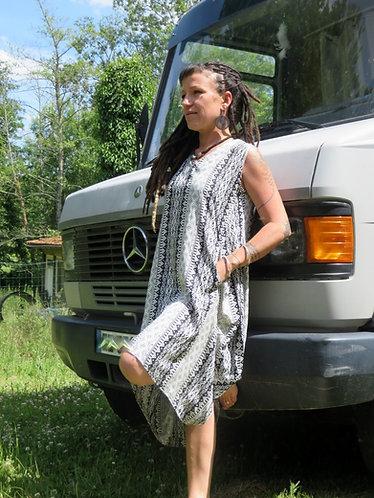 robe boheme noire blanche