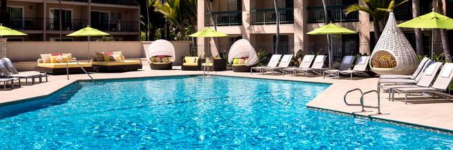 Hyatt-Regency-Newport-Beach-Indulge-Pool