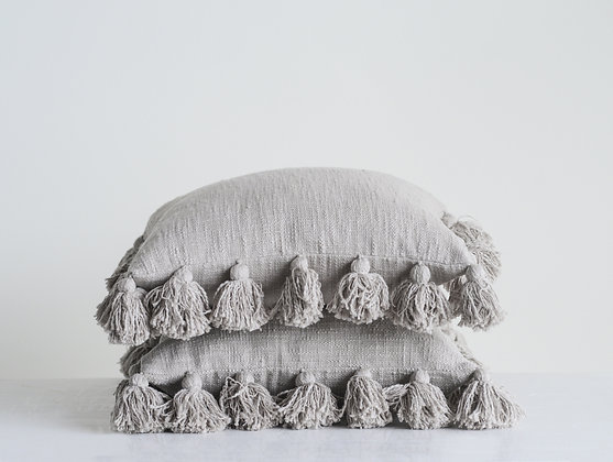 Tina loves tassels pillow-gray
