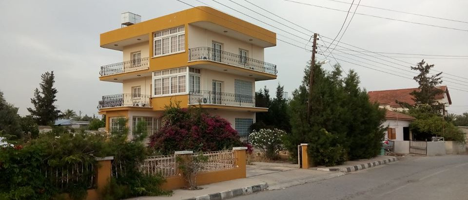 4 Bedroomed Villa in Serdarlida together with a 6 Shops all rented...