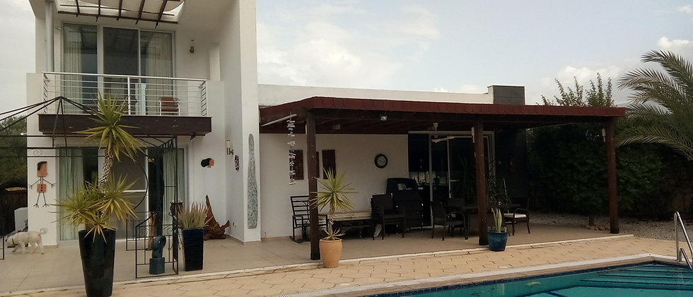 Three Bedroom Villa with swimming pool now reduced to only £140.000
