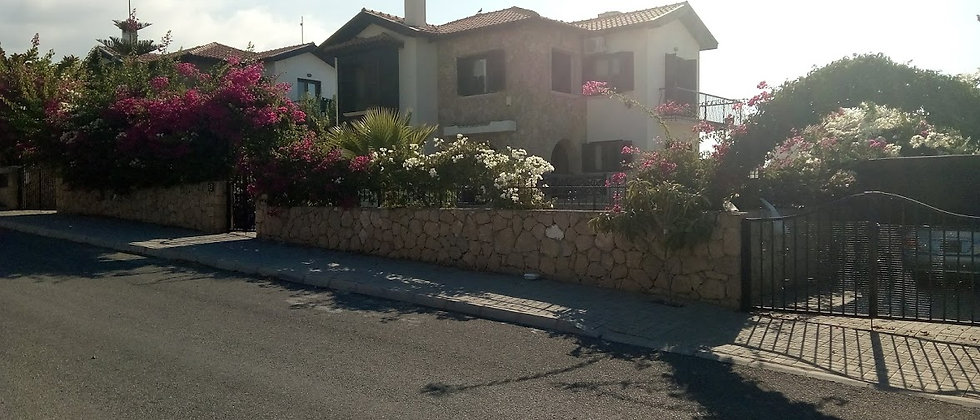 Beautiful 3 bedroom Villa in Çatalköy,Girne with swimming pool, 187 m2 and more
