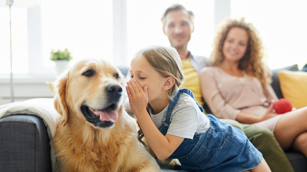 Familia con su mascota