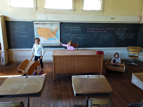 Port Costa School House Tours