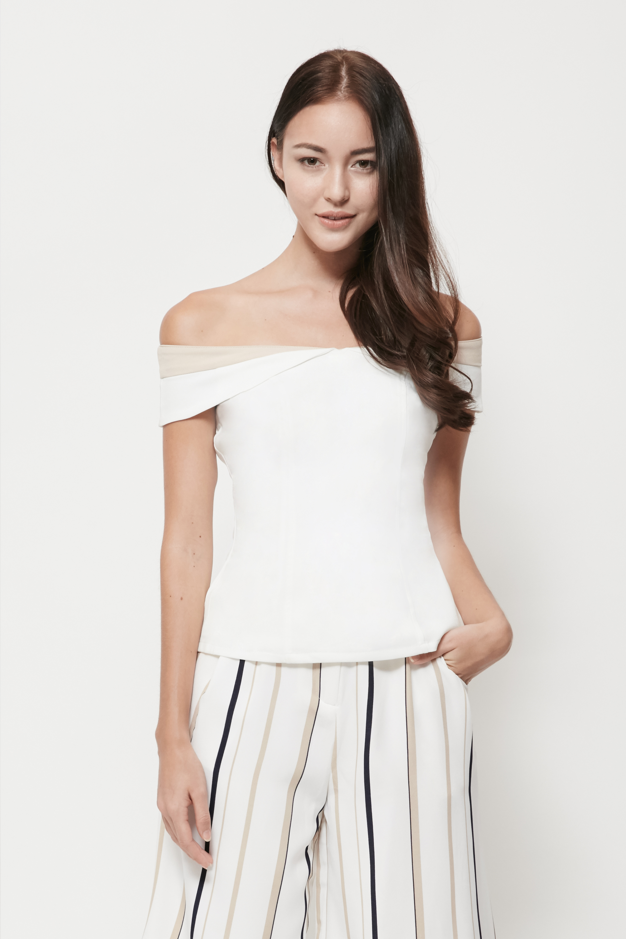 OFFSHOULDER_TOP_WHITE_4