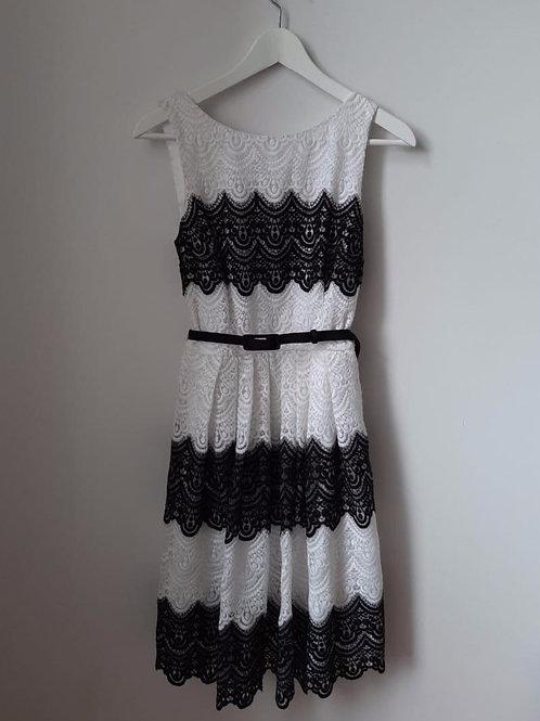 Платье из кружева White House Black Market
