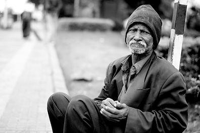 old-man-1775239_1920.jpg