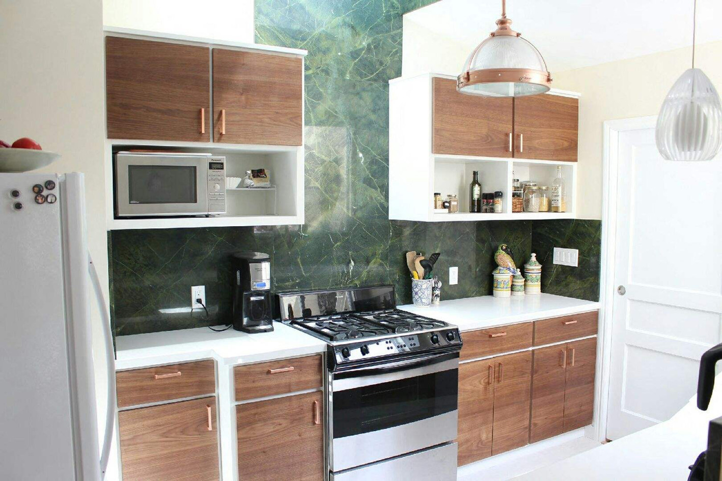 Marble and wood kitchen