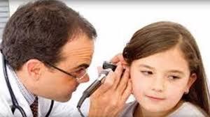 التهاب الأذن الوسطى👂....بيكون سببه عدوى بكتيرية أو فيروسية و أحيانا بيكون عرض جانبى لمرض اخر مثل ال