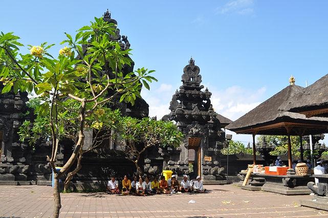 Pura Goa Lawah, Bali