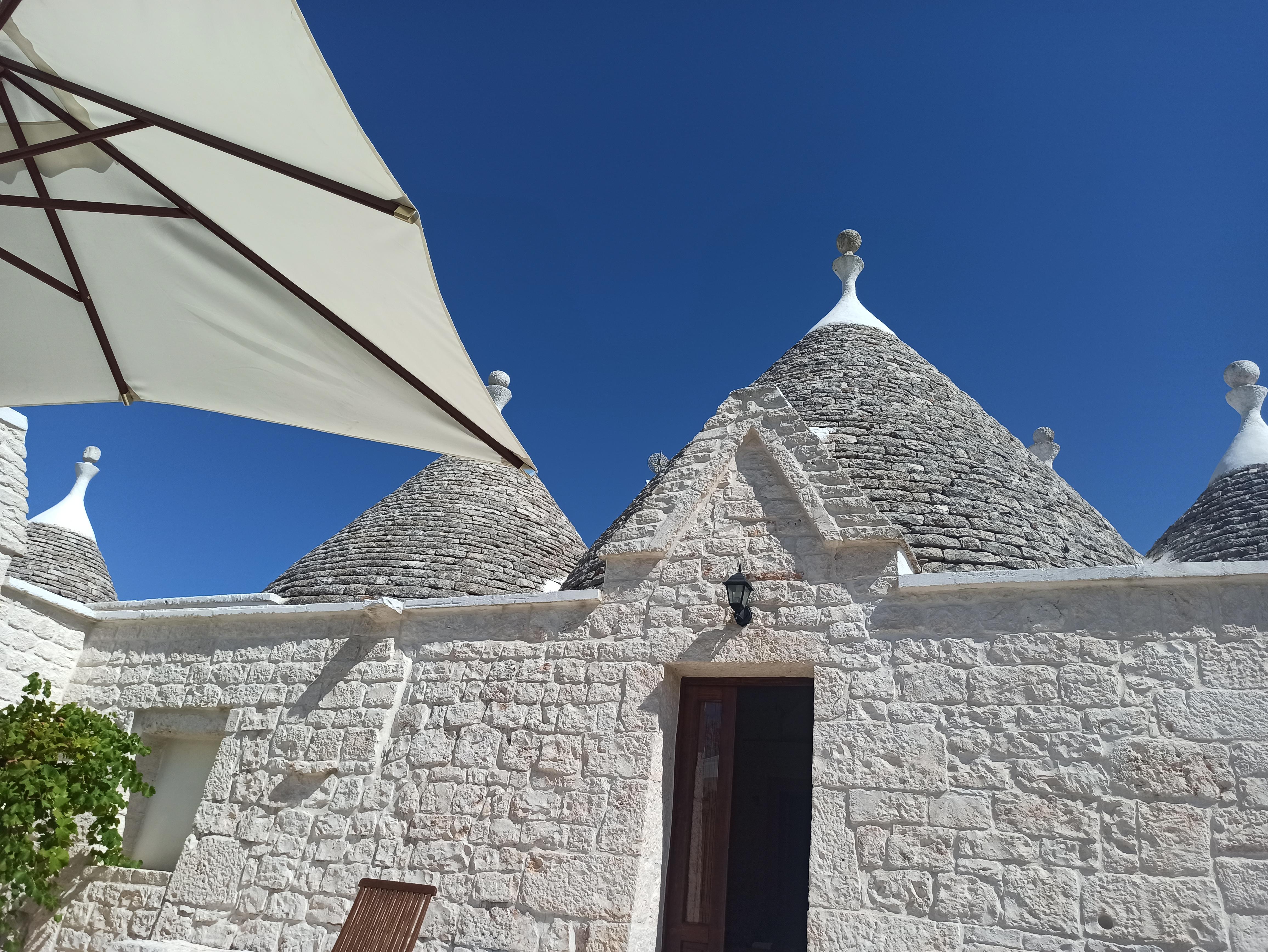 DORMIRE IN UN TRULLO IN VALLE D'ITRIA (BA)
