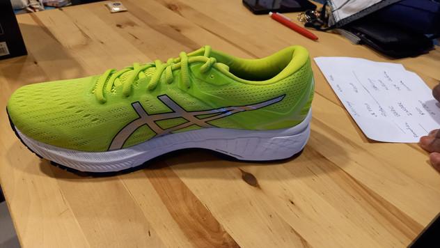 Chaussures de Running pronatrice GT 2000 marque ASICS