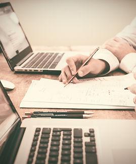 Brainstorming%20over%20paper_edited.jpg