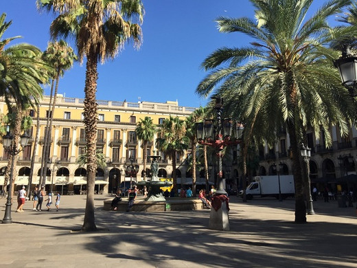 Barcelona Highlights Tour 1.jpg