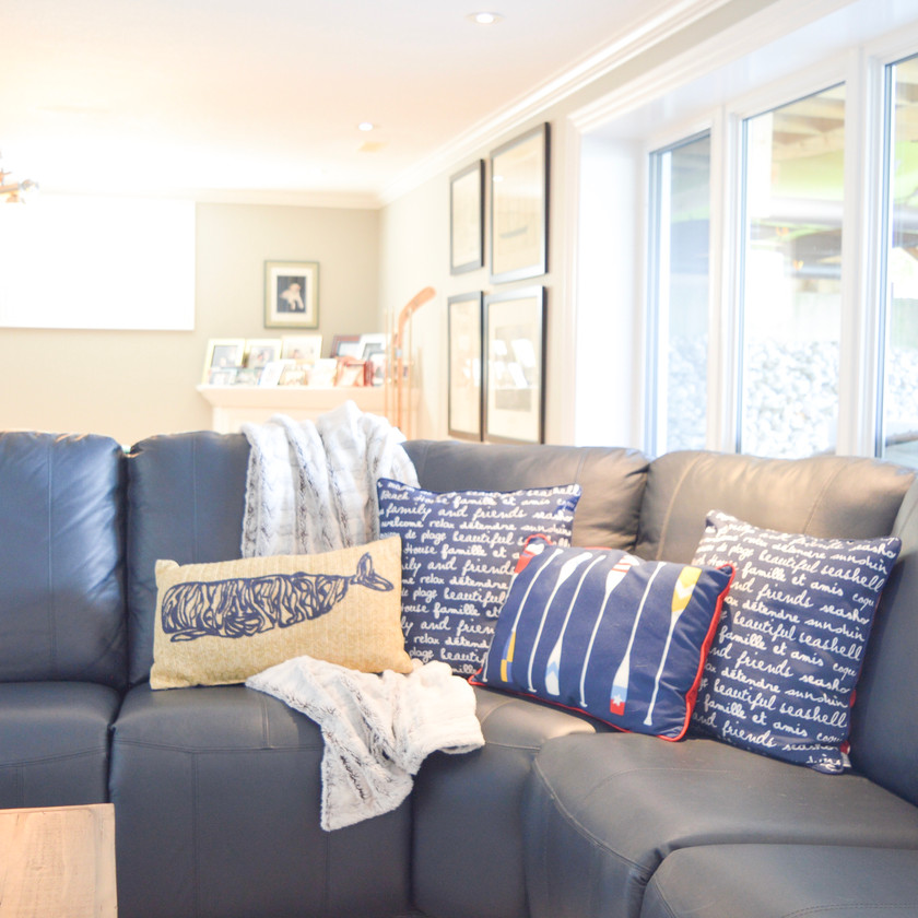Relaxed nautical family room