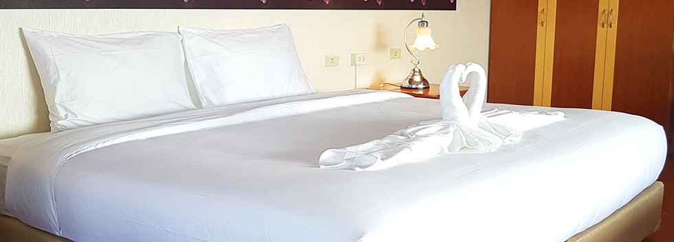 Photo - KU Home - Suite Room - 02.jpg