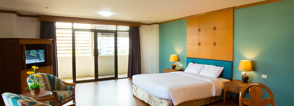 Photo - KU Home - Suite Room - 04.jpg