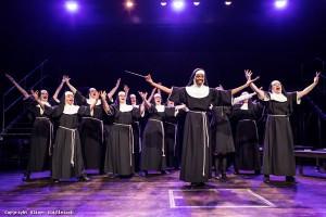 Sister Act Singt hinauf.jpg
