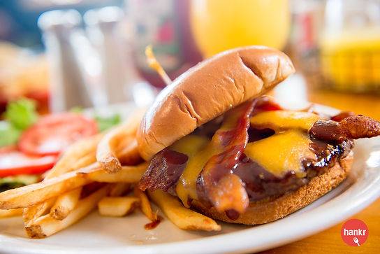Grasses_Grill_BBQ_Bacon_Burger_4_share.j