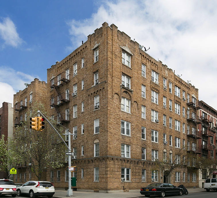 221 Wadsworth Avenue