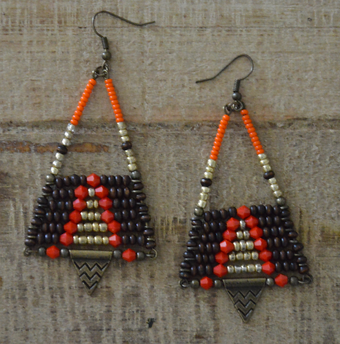 Boucles d'oreilles triangle Massaï brun/orange