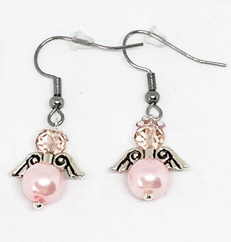 Boucle d'oreille ange rose perlée