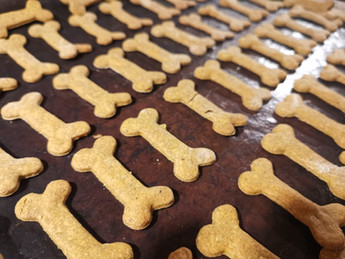 Dog Biscuit Recipe - Healthy Homemade Peanut and Sweet Potato Dog Treats