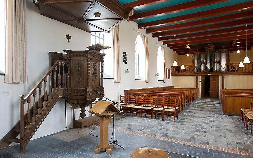 Kerk binnen.jpg