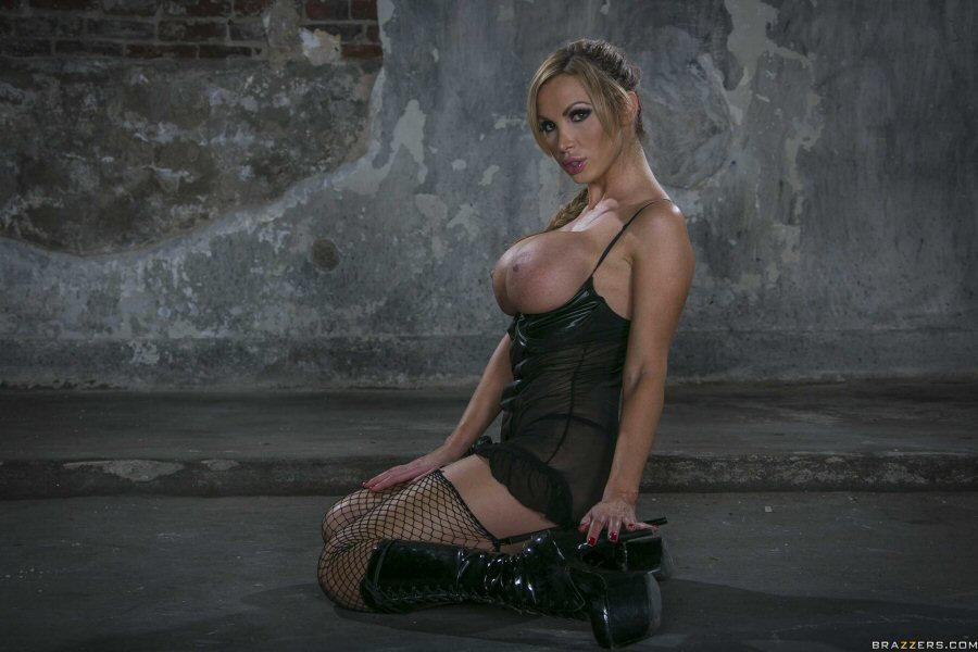 NikkiBenzNS (24).jpg