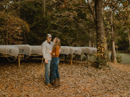 Caitlyn + Zach's Fall-Inspired Session at the Lake