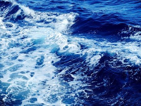 Mares y océanos azules