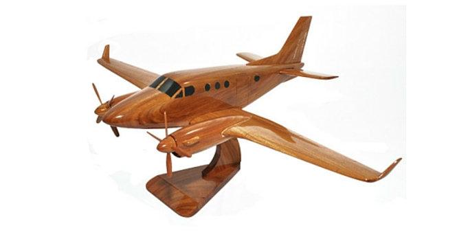Beech King Air - Wooden Model