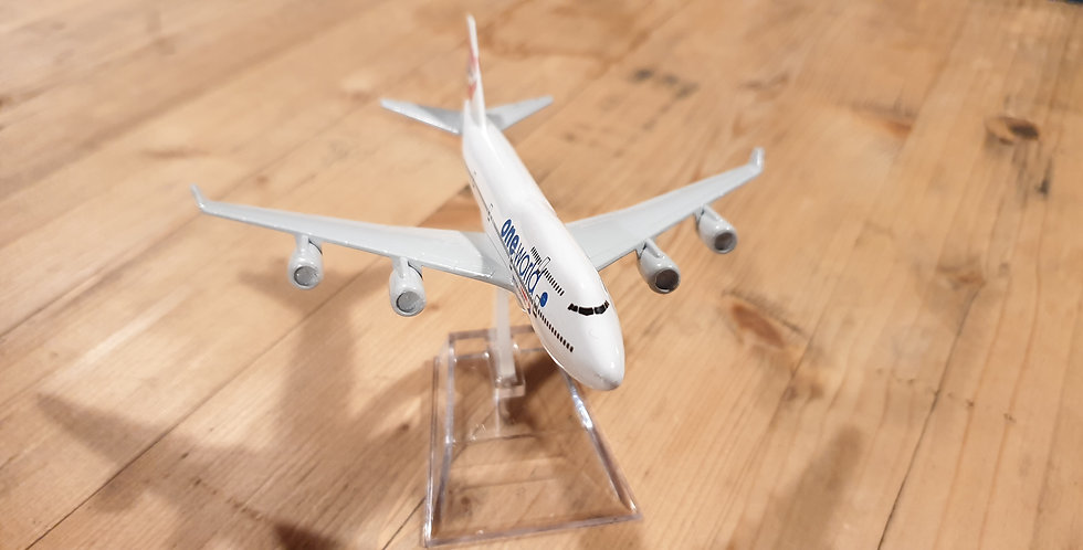 Boeing 747 'One World' Die Cast Model