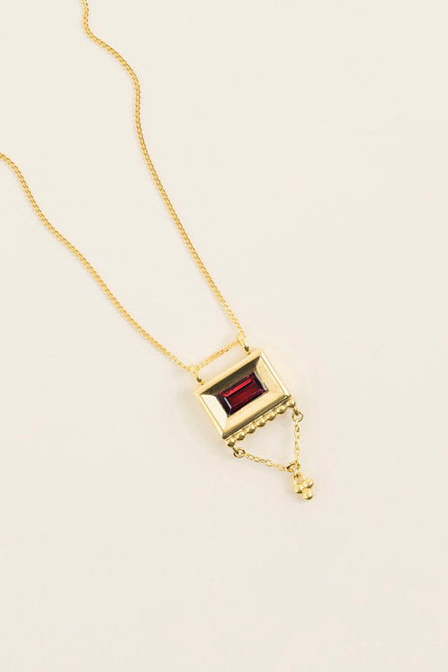 MI MUJER ATELIER rectangle with garnet necklace