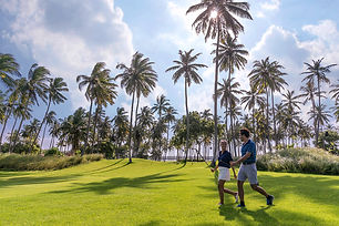 golf couple B.jpg