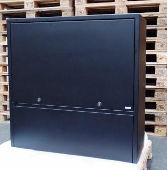 Fjernvarmeskab i special design efter kundes ønske