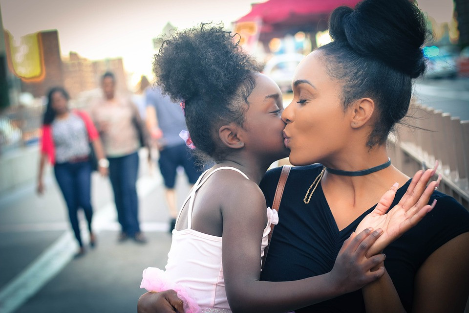 Black Canadian mother and daughter